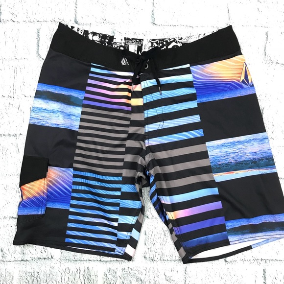 Clothing, Shoes & Accessories NEW VOLCOM boardshorts board